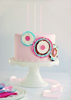 Fun birthday cake for girls