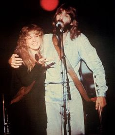 Stevie Nicks and Kenny Loggins singing whenever I call you friend. It's so good.