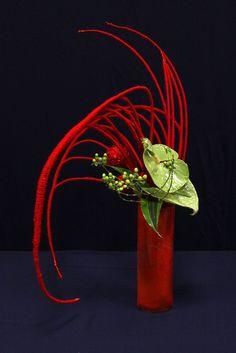 Sogetsu - Ikebana by Irantaj - VIA Spring show 2011 Ikebana Arrangements, Ikebana Flower Arrangement, Floral Arrangements, Art Floral, Deco Floral, Contemporary Flower Arrangements, Creative Flower Arrangements, Christmas Flower Arrangements, Flower Show