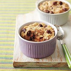 Microwave Oatmeal-Chocolate Chip Cookies in Cups recipe from All You Köstliche Desserts, Delicious Desserts, Dessert Recipes, Chocolate Desserts, Mug Recipes, Easy Cookie Recipes, Oatmeal Recipes, Sweet Cookies, Sweet Treats
