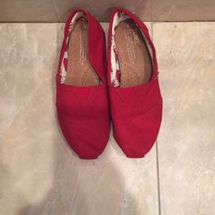 Red Toms Red Toms, in good condition. Rarely worn. Size 6 TOMS Shoes Flats & Loafers
