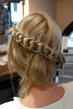 Chainmail Braid  -An unusual, cute style that reminds me of the girl from how to train your dragon.