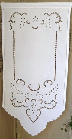 brise-bise,rideaux, rideau, brodés, voilages, voilage, brodé, brise bise, pointe, prêt à poser, rideau de cuisine, organza, étamine, lin : Rideau brodé FESTONS 50x100 cm