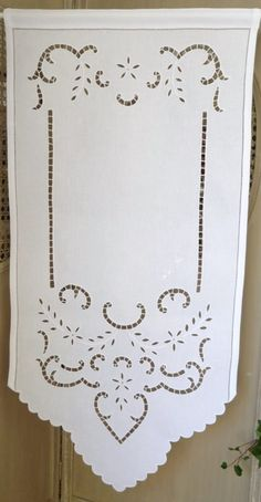 1000 images about embroidery on pinterest vintage linen chicken scratch and hardanger. Black Bedroom Furniture Sets. Home Design Ideas
