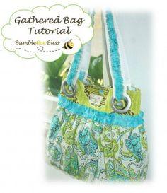 Free Bag Pattern and Tutorial - Gathered Bag Sewing Hacks, Sewing Tutorials, Sewing Crafts, Sewing Projects, Purse Patterns, Sewing Patterns, Tote Purse, Tote Bags, Diy Purse