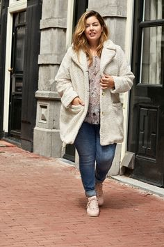 Plus Size Fashion, Ms, Sweaters, Jackets, Style, Clothing, Down Jackets, Swag, Sweater