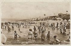 44. – FIGUEIRA DA FOZ. – PRAIA DE BANHOS Bilhete postal circulado em 10 de Agosto de 1931, da Figueira da Foz para Loulé (Sem indicação de editor)© Blog da Rua Nove