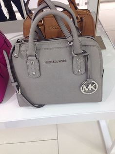Welcome to our fashion Michael Kors outlet online store, we provide the latest styles Michael Kors handhags and fashion design Michael Kors purses for you. High quality Michael Kors handbags will make you amazed. Burberry Handbags, Hobo Handbags, Handbags Michael Kors, Purses And Handbags, Michael Kors Bag, 2017 Handbags, Chanel Handbags, Outlet Michael Kors, Cheap Michael Kors