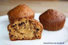 Muffins van speltbloem  Regelmatig maak ik muffins van speltbloem..... vaak neem ik dan het recept van deze heerlijkehoning speltcake met appelen dan vul ik muffinvormpjes.Heerlijk hoor... alleen z