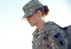 "Próximo filme de Kristen Stewart ""Camp X-Ray"" teve divulgado trailer e imagens http://cinemabh.com/trailers/proximo-filme-de-kristen-stewart-camp-x-ray-teve-divulgado-trailer-e-imagens"