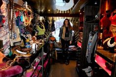 ummm who wouldn't love this PopUp idea!!! Traveling Fashion Boutiques