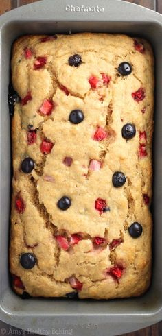 Whole Wheat Strawberry Blueberry Banana Bread -- an easy clean-eating breakfast or snack! This healthy recipe is full of fresh berries and barely 120 calories! Healthy Baking, Healthy Desserts, Dessert Recipes, Healthy Recipes, Milk Recipes, Healthy Strawberry Recipes Clean Eating, Banana Bread Recipe Video, Banana Bread Recipes, Blueberry Banana Bread