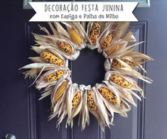 30 Fall Wreaths Ideas With Corn And Corn Husk for Door - Floristik - Indian Corn Wreath, Corn Husk Wreath, Twig Wreath, Wreath Crafts, Diy Spring Wreath, Fall Wreaths, Thanksgiving Wreaths, Thanksgiving Decorations, Corn Husk Crafts