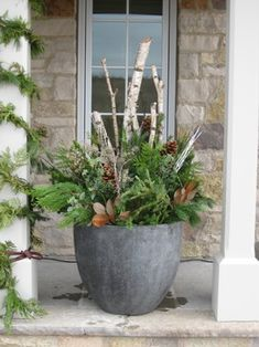 80 Winter Garden Decoration Ideas - Home to Z There is a general conviction that winter garden are (in light of the cost and their tendency) for stiff necks. Obviously, this isn't valid – setting up the winter cultivate, is marginally [. Christmas Urns, Christmas Planters, Outdoor Christmas, Christmas Decorations, Xmas, Winter Porch, Winter Garden, Winter Holiday, Growing Flowers