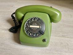 Vintage phone 1979s,Green phone,Old rotary phone,Circle dial rotary phone,Vintage landline phone,Old Dial Desk Phone,Retro phone,Post FeTAp