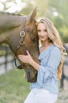 Equestrian fashion for Women - Outdoor Click Horse Senior Pictures, Hunting Senior Pictures, Softball Senior Pictures, Pictures With Horses, Horse Photos, Cheer Pictures, Senior Guys, Senior Photos, Senior Posing