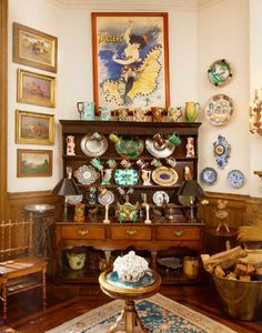 Ornate Organization Ornate Organization A George III Oak Welsh Dresser (which sold for $6,875) displays highly collectable pieces of china in a corner of the dining room. Lauen Bacall's Apt