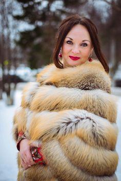 Fur Fashion, Womens Fashion, Fox Fur, Mantel, Fur Coat, Sexy Women, Beautiful Women, Dream Fantasy, Snow Queen