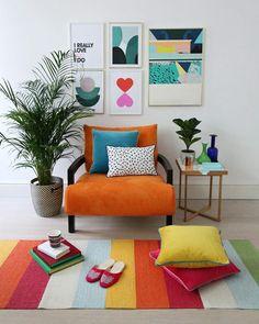 11/ago/2019 - Decoração colorida #art #decor #decoração #décoration #colorful #color Furniture Village, Sofa Furniture, Burnt Orange Decor, Sofas, Orange Sofa, Lounge Chair, Swinging Chair, Wall Prints, Floor Chair