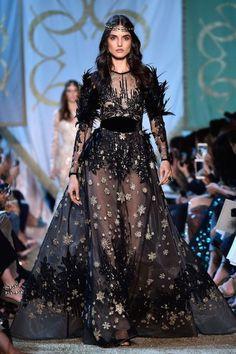 Blanca Padilla for Elie Saab- Paris Haute Couture Week Style Haute Couture, Haute Couture Dresses, Couture Week, Haute Couture Paris, Juicy Couture, Elie Saab Couture, Valentino Couture, Dior Couture, Fashion Week