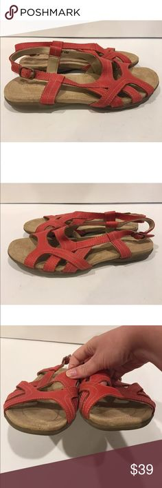 Lands End Woman's Sandals Size 8 Coral Strappy Heel .5 inches Y Lands' End Shoes Sandals