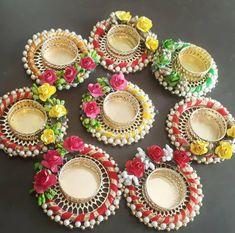 Housewarming Return Gifts, Housewarming Decorations, Candle Decorations, Centerpieces, Diwali Decoration Items, Diwali Candles, Rakhi Design, Diwali Gifts, Diwali Craft