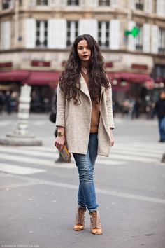 Many shades of brown, a pair of jeans, Casio watch and dark wine lipstick. Stockholm Streetstyle - Morgan.