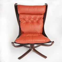Vinterior is the online marketplace where the world buys and sells remarkable vintage and antique furniture across every lifestyle, budget and taste. Mid Century Chair, Mid Century Furniture, Retro Furniture, Antique Furniture, Private Practice, Barcelona Chair, Dining Room Chairs, Scandinavian Design, Outdoor Chairs
