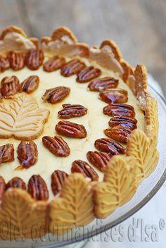 Les gourmandises d'Isa: GÂTEAU AU FROMAGE AUX FEUILLES D'ÉRABLE + CONCOURS Sweets Cake, Cupcake Cakes, Twix Cake, Moussaka, Cheesecakes, Parfait, Smoothies, Thanksgiving, Pie