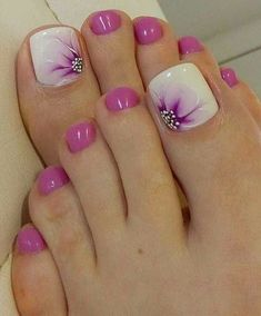 Perfectly pretty pedi - pale green or grey instead of pink Pedicure, Gel Nail Designs, Nail Polish Colors, Ideas, Gel Nails, Body Art, Beauty, Feet Nails, Ongles