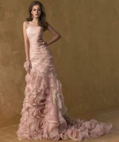 I LOVE all the texture and ruffles. Pity I have absolutely nowhere to wear it. Grocery shopping perhaps?