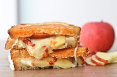 Grilled Cheese and Apple Sandwich with Sriracha Butter #recipe