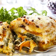 Spinach Butternut Lasagna- absolutely delicious.  #butternutsquashlasagna #lasagnarecipes #whitelasagna