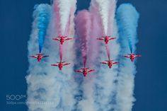 Red Arrows smoke trails by aviationprints1