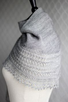 Beautiful shawl or capelet with simple body and delicate beautiful border Henslowe pattern (Owlish on Ravelry) - gorgeous and simple