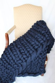 Hey, I found this really awesome Etsy listing at https://www.etsy.com/listing/258695937/promo-sale-super-chunky-knit-blanket