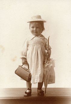 Alicia Maud Jenkins, Carrying a fabulous bag, even at this age wearing a traditional farmers smock