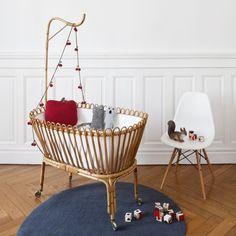 lit bébé berceau vintage - Recherche Google Baby Bedroom, Baby Boy Rooms, Nursery Room, Kids Bedroom, Nursery Decor, Baby Bassinet, Baby Cribs, Deco Kids, Handmade Baby Quilts