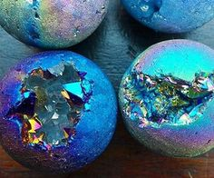DIY - Badebomben ♥ Der bunte Punkt Healthy Hair Support for Women Why go to the extent of all those Bath Boms, Homemade Bath Bombs, Lush Bath Bombs, Bath Bomb Recipes, Decoration Plante, Home Made Soap, Bath Salts, Bath Fizzies, Handmade Soaps