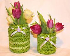 MÄRZenbecher frühlingshaftes Vasen Set Ostern easter green flowers crochet grün von Melancholie Häkelapplikationen und vintage Postkarten auf DaWanda.com