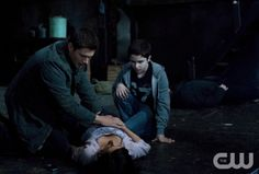 """""""Let It Bleed"""" - Jensen Ackles as Dean, Cindy Sampson as Lisa,  Nicholas Elia as Ben in SUPERNATURAL on The CW.  Photo: Michael Courtney/The CW  ©2011 The CW Network, LLC. All Rights Reserved."""