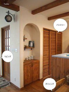 パントリーの扉が素敵 Decor, Room Divider, Furniture, Interior, House, Home Decor, Room, Entryway