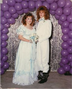 35 Ridiculous '80s Prom Photos.  The hair... dear god.. the hair!  What were we thinking???