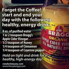 Start your day with this natural and healthy energy drink *apple cider vinegar *honey *cinnamon *cayenne pepper detox smoothie before bed Apple Cider Vinegar Uses, Apple Cider Vinegar Remedies, Apple Cider Benefits, Raw For Beauty, Sante Bio, Detox Kur, Cleanse Detox, Juice Cleanse, Smoothie Cleanse