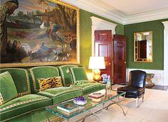 Tory Burch New York Apartment Green Velvet Walls Living Room Sofa Living Room Green, Green Rooms, Green Walls, Green Velvet Sofa, New York Homes, Second Empire, Lounge, Beautiful Interiors, Chinoiserie