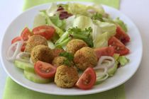Easy Falafel Salad Recipe