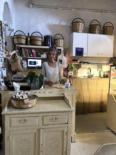 Wood Cafe, Mykonos, Kitchen Island, Medieval, Bakery, Home Decor, Island Kitchen, Decoration Home, Room Decor