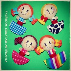 Broches de fofuchas. Handmade custom brooches.