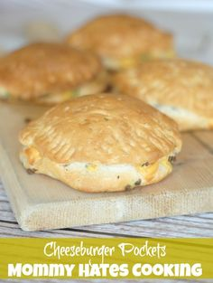 Cheeseburger Pockets The kids will love these for dinner tonight! Click through for the recipe... Mommy Hates Cooking