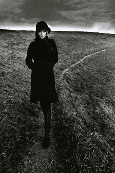 Jeanloup Sieff: Lady in Black - England, 1964